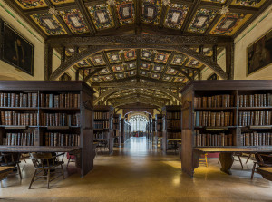 1600px-Duke_Humfrey's_Library_Interior_6,_Bodleian_Library,_Oxford,_UK_-_Diliff